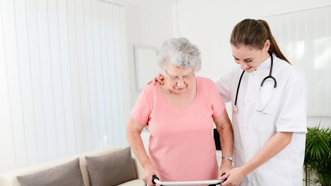 Your Elder Family Member Needs the Best Personal Care Services