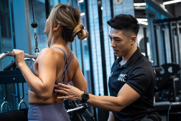 Use These Tips To Find the Right Personal Trainer For You